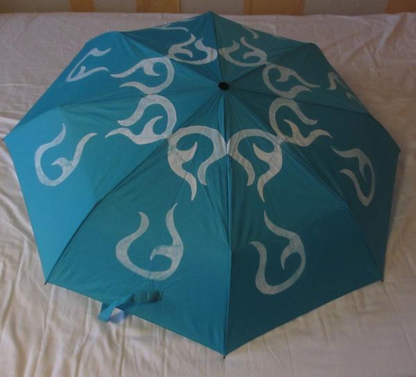 selbstgestalteter Regenschirm